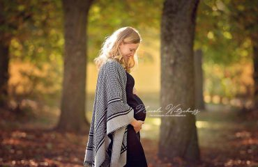 Babybauchbilder-babybauch-fotoshooting-schwangerschaft-fotos-bilder-nicole-witschass-fine-art-fotografie-stuttgart-leonberg-calw