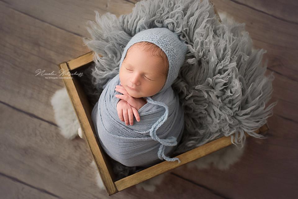 professionelle-babybilder-neugeborenenshooting-stuttgart-leonoebrg