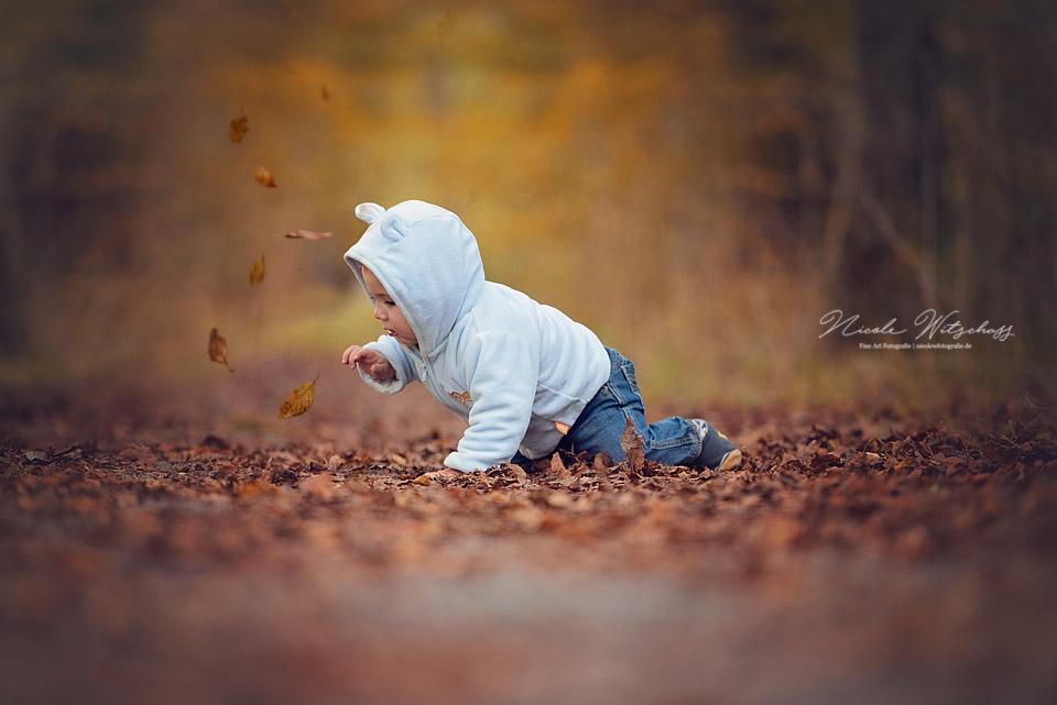 herbstliches-Babyshooting-in-der-natur